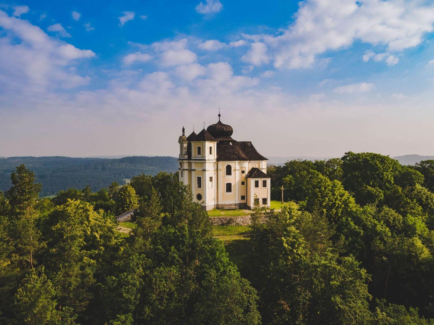 Poutní kostel Maková 2