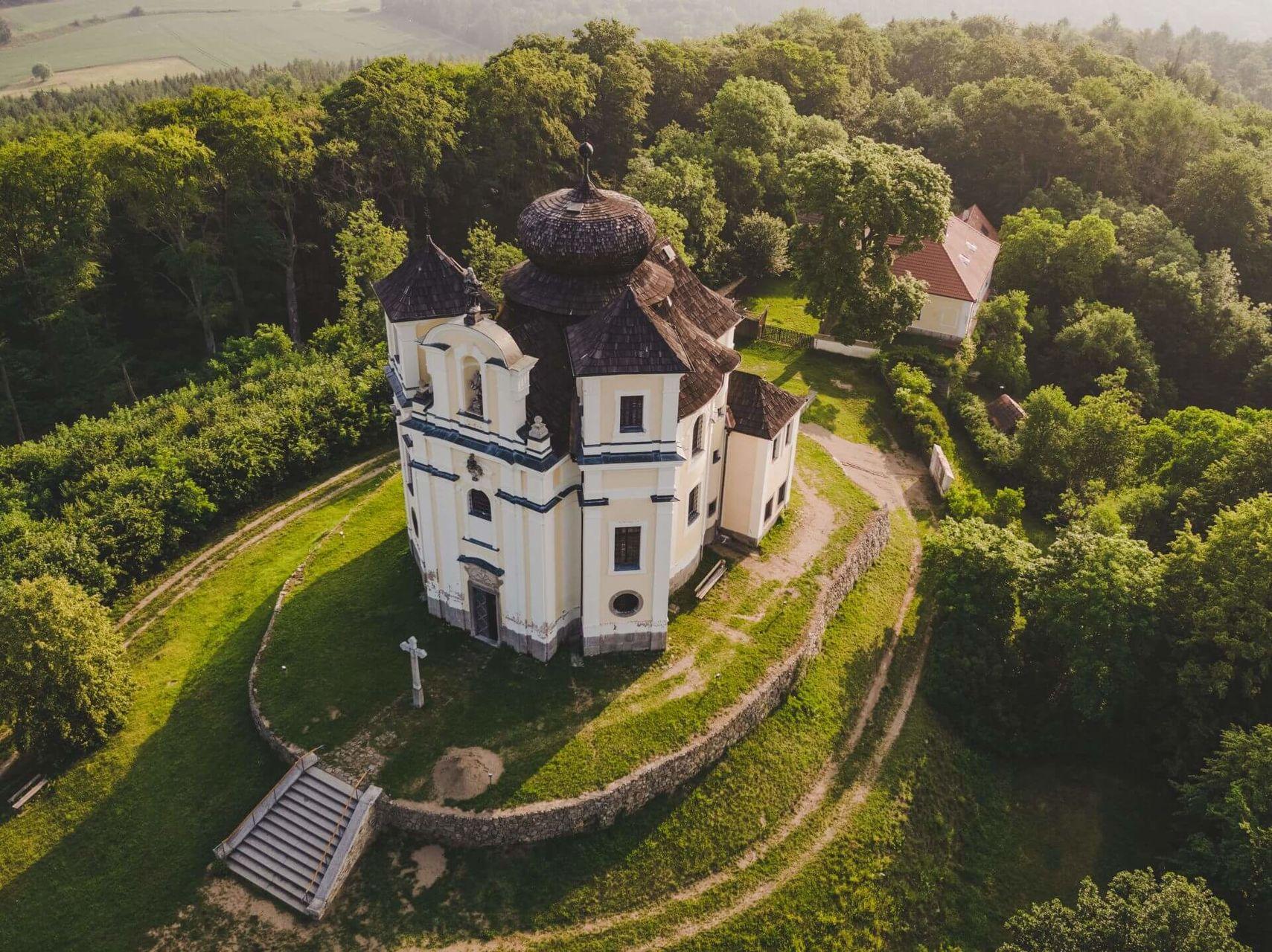 Poutní kostel Maková 3